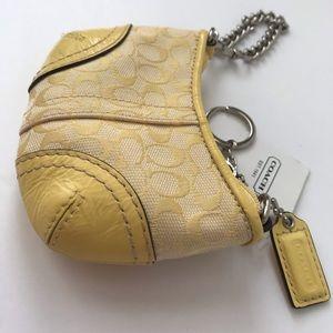 Coach Bags - 🍋 NWT RARE Coach Vintage Yellow Signature Case